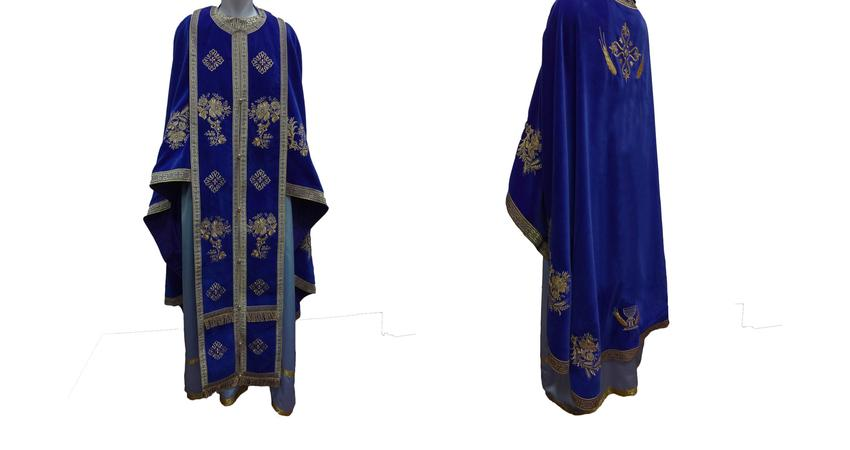 Blue velvet vestment with ice flowers embroideries
